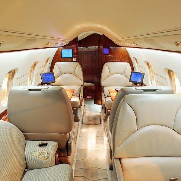 Mid Sized Jet vliegtuigverhuur